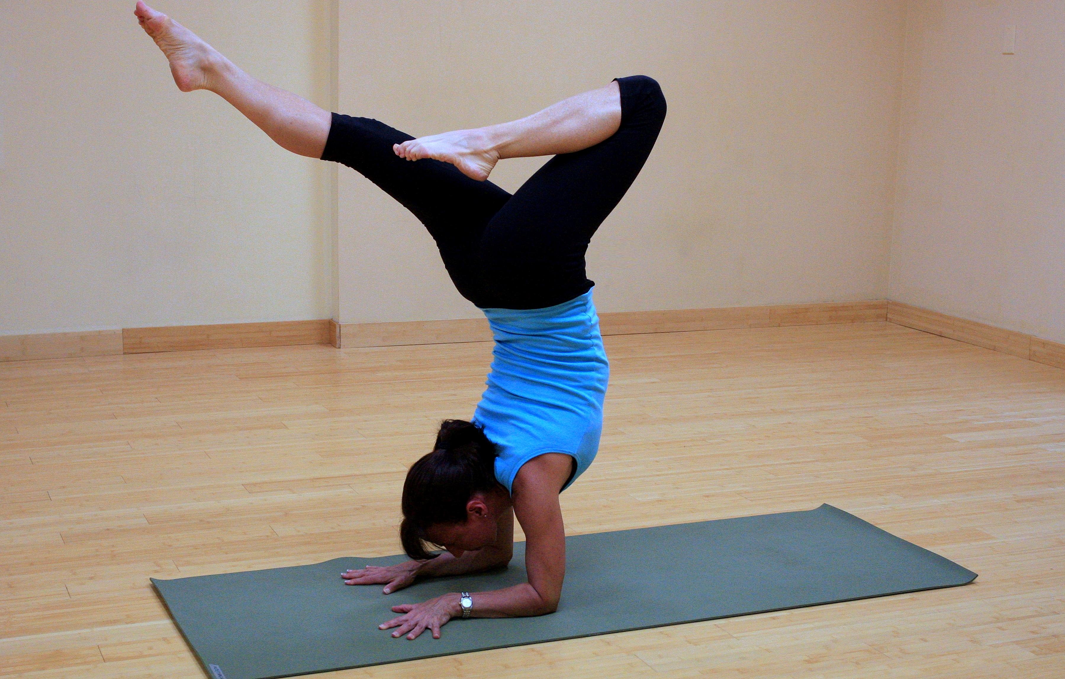 How To Choose An Ideal Yoga Teacher Training School